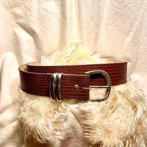 Woman's brown leather belt sz 11/12